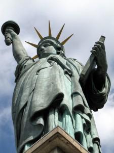 Liberté ile aux cygnes 6985b